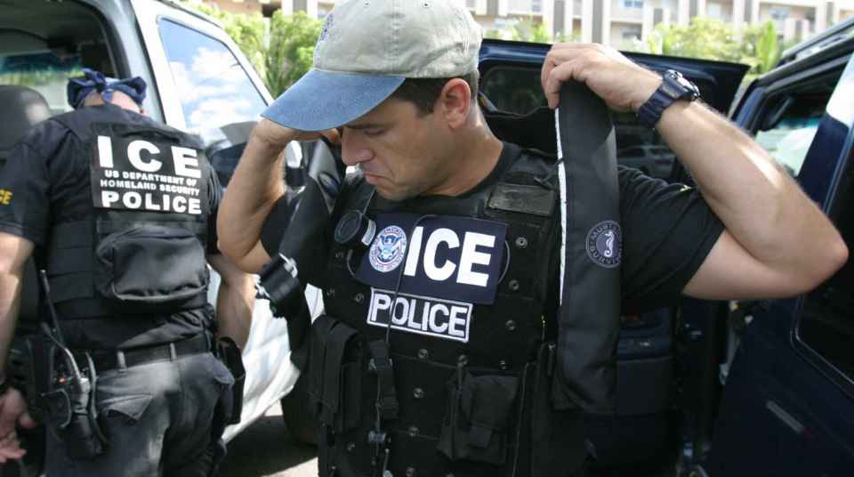 ICE Agents At Your Door   ACLU of Southern California